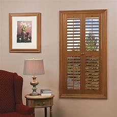 Fenster Rolladen Innen - home basics plantation faux wood oak interior shutter