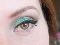 un maquillage vert pour yeux marrons avec la vice 3 d
