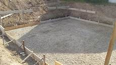 fassade loch ausbessern bodenplatte terrasse betonieren bodenplatte fundamente
