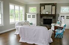 bm vapor trails 1556 paint color currently in my kitchen and family room love this color