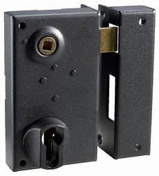 serrure de porte d entrée serrure en applique verticale pour porte d entr 233 e