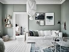 un appartement au mur vert lili in
