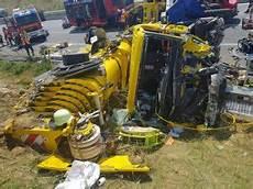 Unfall A8 Gestern - schwerer verkehrsunfall auf autobahn a8 schwerlastkran