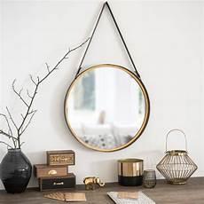 wand spiegel runder wandspiegel aus metall in messingoptik d52 clarck