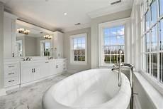 40 master bathroom window ideas
