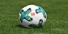fussball le football le monde entier pr 234 t 224 vibrer pour le 171 fussball 187
