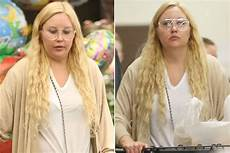 Amanda Bynes 2017 - amanda bynes looks different in outing page six