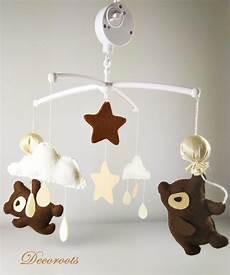 mobile original pour bébé mobile b 233 b 233 musical ours beige chocolat enfant b 233 b 233