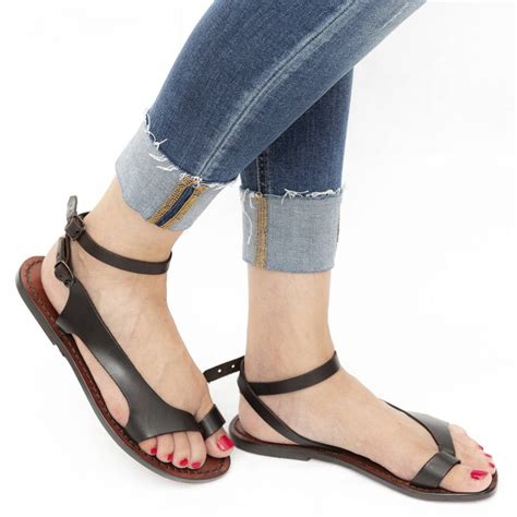 Thong Sandals Pictures