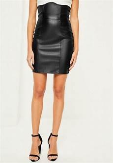 mini jupe en simili cuir taille haute missguided