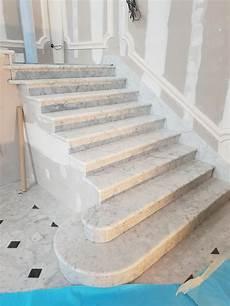 Escalier En Marbre Blanc De Carrare Marbrerie Roches Et