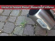 unkraut mit heissem wasser wasserdf entfernen