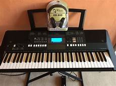 yamaha psr e423 keyboard with accessories in east end
