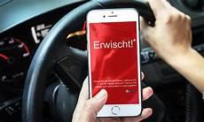 handy am steuer 2018 handy am steuer bundesweite kontrollen autozeitung de