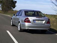 Mercedes E350 With Sports Equipment 2005 Picture