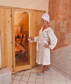 wie lange sauna infrarot sauna stockfoto 169 grafvision 7516123