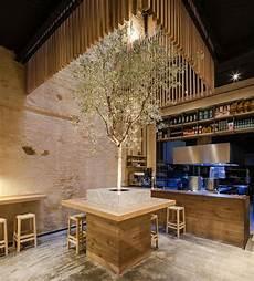 arbre d interieur design perro viejo restaurant donaire arquitectos archdaily