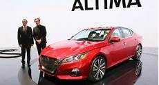 2019 nissan altima platinum vc turbo 2019 nissan altima revealed gets awd option and 2 0l