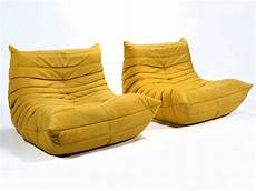 canapé style togo pair of michel ducaroy togo lounge chairs by ligne roset