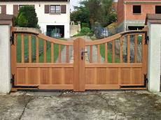 portail en bois portail bois en essonne