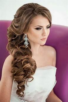 Side Curls Hairstyles