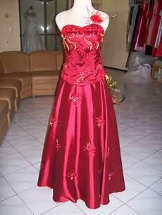 Pakaian Pesta Wanita Boesanaone