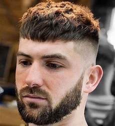hairstyles for men short cortes de pelo con flequillo y tup 233 s para hombre 2020 modaellos com
