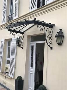 marquise porte d entrée marquise en fer forg 233 permettant d abriter la porte d