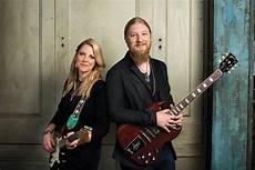 tedeschi trucks band members derek trucks should be about quot lifting up and stirring something in their souls