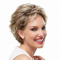 simple short hairstyles for older women