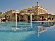 New Luxury Villa Heated Pool Quietness Unique Position