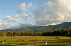 4 amazing facts about smoky mountains vacations you need to know