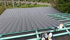 Dach Beim Gartenhaus Mit Pfannenblechen Nachhaltig