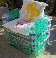 mobili per bottiglie di riciclo tutorial per la paltrona con le bottiglie di