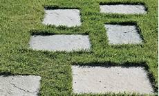 Trittplatten Im Rasen Verlegen Trittsteine Garten