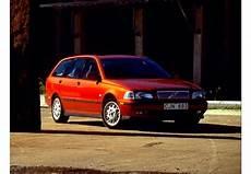 Fiche Technique Volvo V40 1 9 D 95 1999