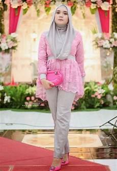Kombinasi Kebaya Muslim Dengan Celana Dengan Gambar