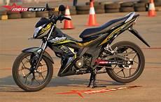 Modifikasi Honda Sonic 150 Terbaru by Modif Striping Honda New Sonic 150 Hitec Motoblast