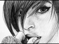 Entstehung Bleistift Zeichnung Einer Frau Im Pullover