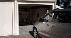 stationner devant garage stationner devant propre garage est interdit en