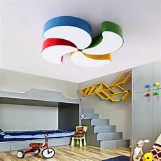 deckenleuchten kinderzimmer moderne deckenleuchte led mondsichel design im kinderzimmer