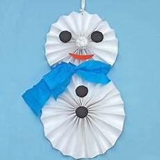 cr 233 er un bonhomme de neige en papier l atelier canson