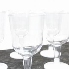 verres 224 vin blanc en plastique jetable drag 233 es anahita