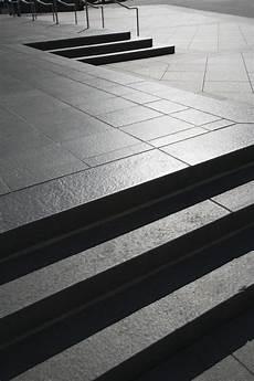 terrassenplatten verlegen so terrassenplatten aus granit 187 so verlegen sie sie richtig