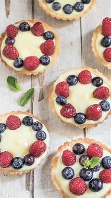 cheesecake crema pasticcera con abbondante crema pasticcera crostatine