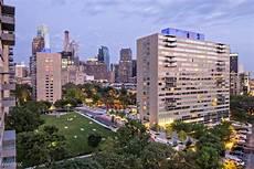 Apartment Buildings For Rent Philadelphia by 2200 Benjamin Franklin Pkwy Philadelphia Pa 19130