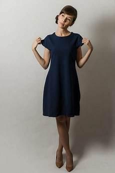 Dunkelblaues Kleid Kombinieren - dunkel blaues kleid