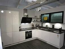 Küche Weiß Modern - nobilia musterk 252 che moderne l k 252 che hochglanz wei 223 mit