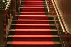 teppich für treppenstufen treppenteppich 187 der gro 223 e 220 berblick