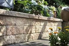 Gartenmauer Bauen Mit M 246 Rtel Und Steinen Hornbach